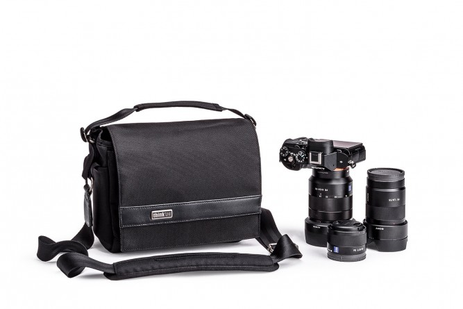 URBAN_APPROACH_5_SHOULDER_BAG_HERO_WITH_GEAR-DSC_0966